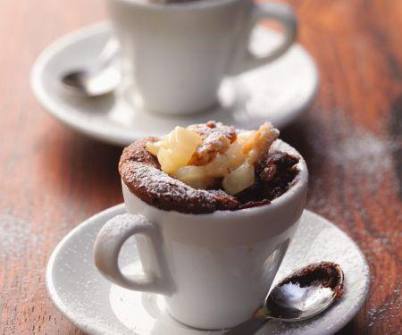 Schoko-Tassenkuchen mit Birne