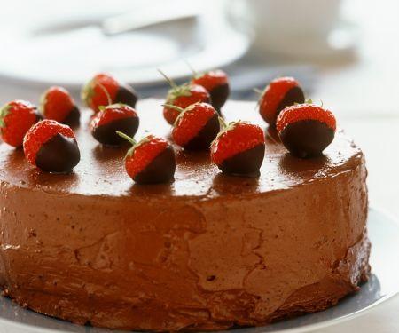 Schokoladentorte mit Erdbeeren