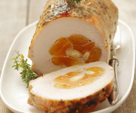 Schweinebraten mit Aprikosen gefüllt