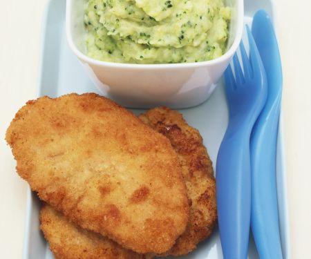 Schweineschnitzel und Kartoffelpüree mit Brokkoli