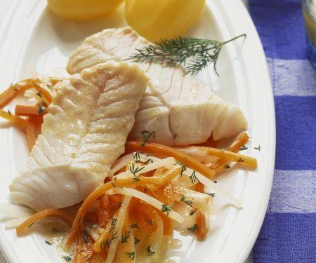 Seelachs mit Juliennegemüse und Kartoffeln