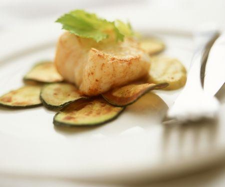 Seeteufelfilet mit Zucchinihobeln und Zucchinisoße