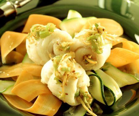 Seezungenröllchen orientalisch gewürzt mit Gemüsestreifen