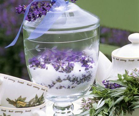 Selbstgemachter Lavendelzucker