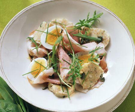 Semmelknödel-Wurst-Salat