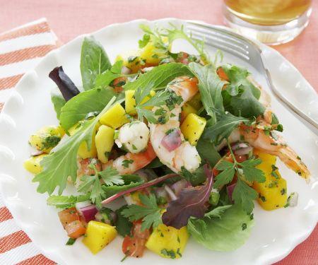 Shrimpssalat mit Mango und Tomaten
