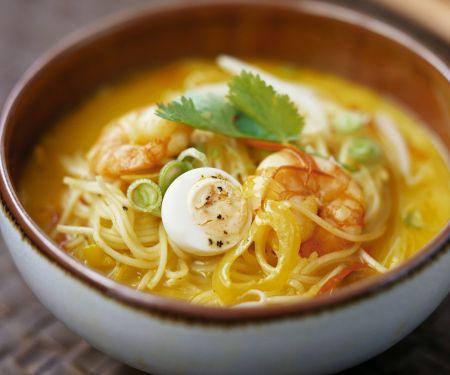Shrimpssuppe mit Nudeln aus Singapur