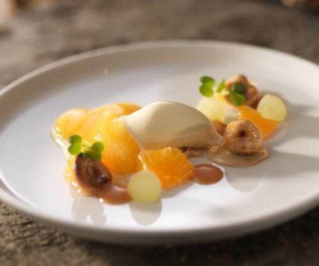 Snøfrisk Eis mit Früchten und Karamell
