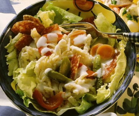 Spätzlesalat mit Salami