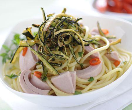 Spaghetti mit Thunfisch und gebratenen Zucchini