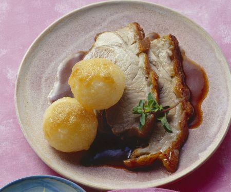 Spanferkelbraten mit Kartoffelknödeln
