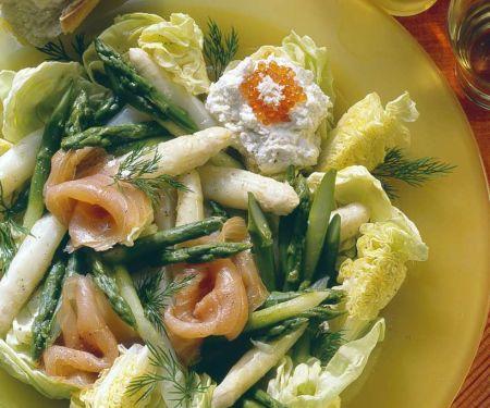 Spargel-Blattsalat mit Lachs