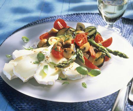 Spargel-Champignon-Salat mit Camembert