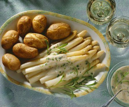 Spargel mit Buttersauce und Kartoffeln