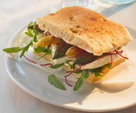 Spargel-Sandwich mit Mozzarella