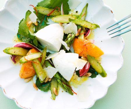 Spargelsalat mit Pfirsich und Parmesanmousse