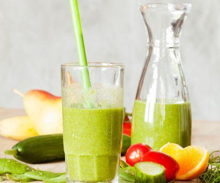 Spinat-Gurken-Drink mit Birne