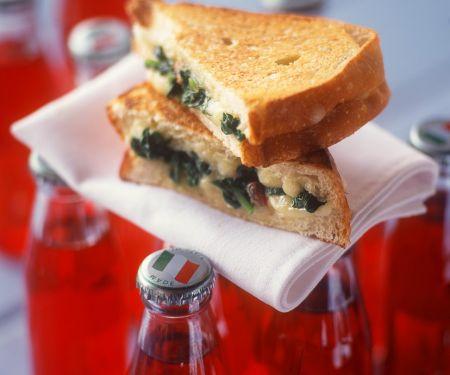 Spinat-Käse-Sandwich