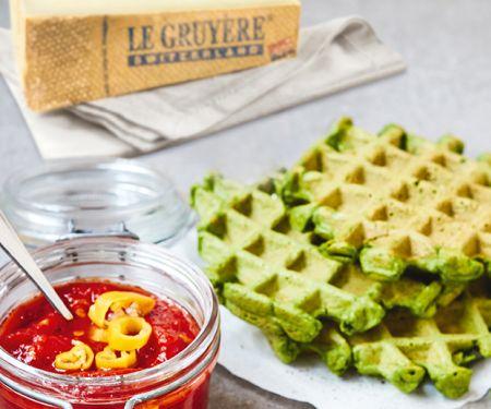 Spinatwaffeln mit Le Gruyère AOP und Tomatensalsa