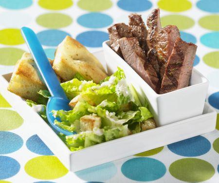 Steak vom Rind mit Cäsarsalat