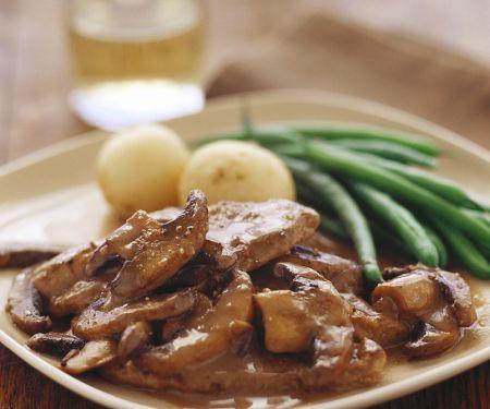 Steaks in Champignon-Rahmsauce