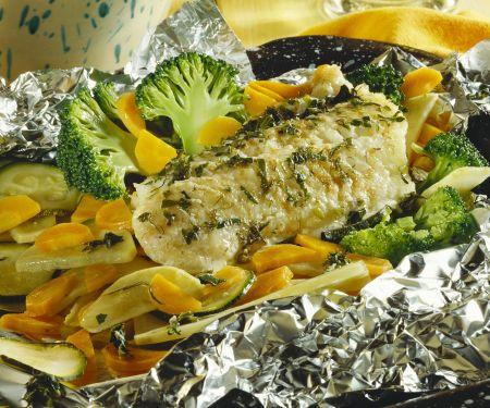 Steinbeißerfilet mit Gemüse und Kartoffeln aus der Folie