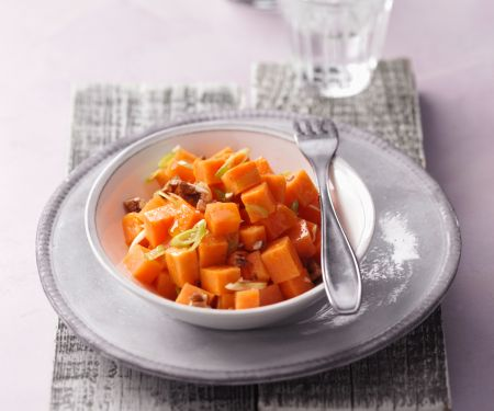 Süßkartoffelsalat mit Ahornvinaigrette