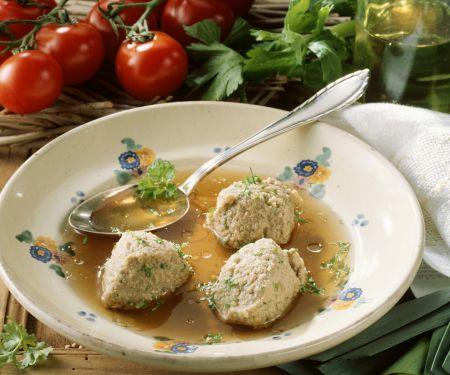 Suppe mit Leberknödeln