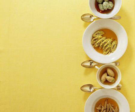 Suppe mit vier Einlagen