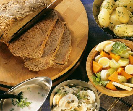 Tafelspitz mit Gemüse und Sauce