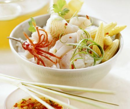 Thailändisches Fischfondue mit Reis