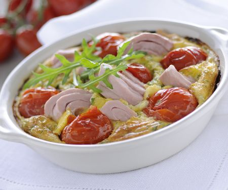 Thunfisch-Flan mit Kirschtomaten und Rucola