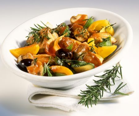 Thunfischpfanne mit Gemüse und Kräutern