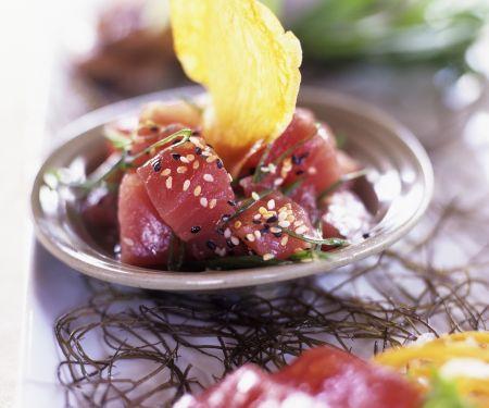 Thunfischwürfel mit Sesam