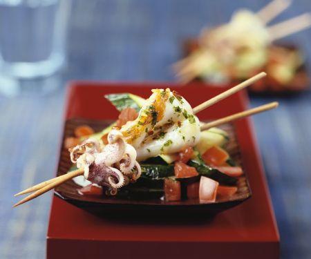 Tintenfisch-Spieße mit Gemüse
