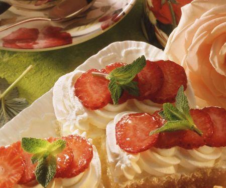 Tiramisu-Kuchen mit Erdbeeren