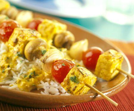 Tofu-Gemüse-Spieße mit Currysauce