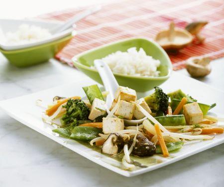 Tofu mit Wokgemüse und Reis