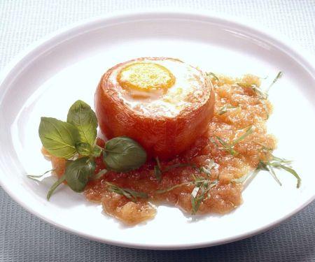 Tomate mit Ei gebacken