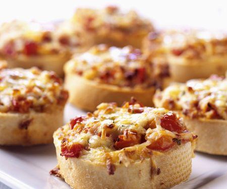 Tomaten-Käse-Crostini