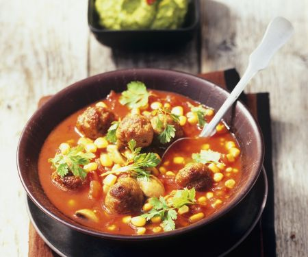 Tomaten-Mais-Suppe mit Hackbällchen