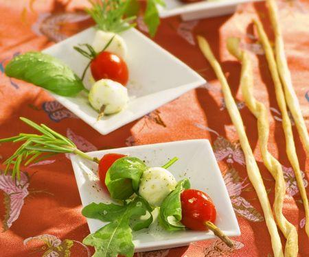 Tomaten-Minimozzarella-Spieße