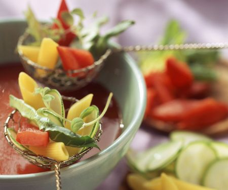 Tomatenfondue mit Zutaten