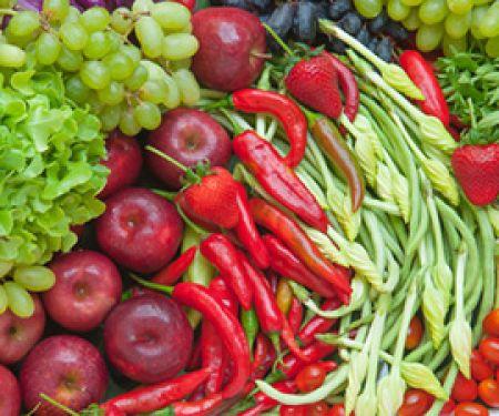 Prof. Froböse setzt auf Obst und Gemüse. © peangdao - Fotolia.com