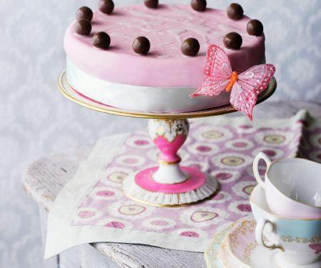 Torte zu Ostern mit Schokoladenkugeln