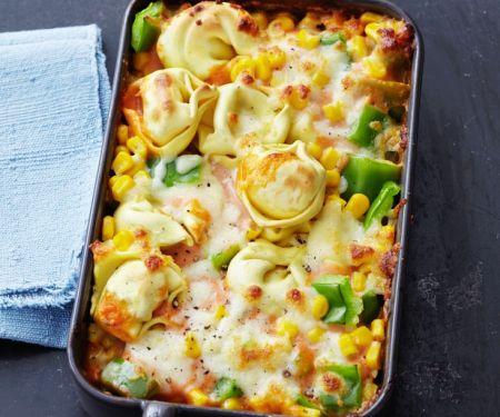 Tortellini-Auflauf mit Mais und Paprika