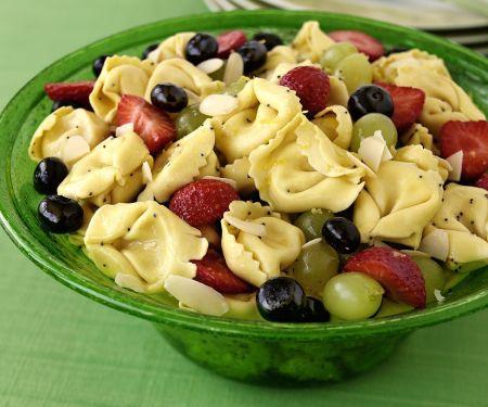 Tortellinisalat mit Früchten