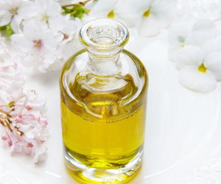 Traubenkernöl – tut nicht nur von innen gut!  Photo: © Pixabay/ silviarita