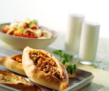 Türkische Hackfleisch-Fladen (Pide)