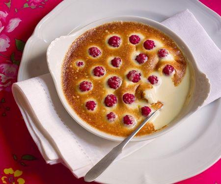Überbackene Vanillecreme mit Beeren